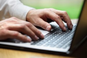 Déposer un chèque dans une banque en ligne