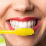 Brossage de dents et curetage dentaire