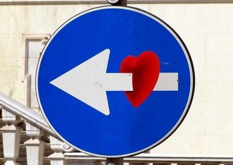 panneau-signalisation-detourne-5